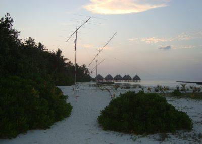 50, 432 (38el yagi, 100W) and 144 MHz